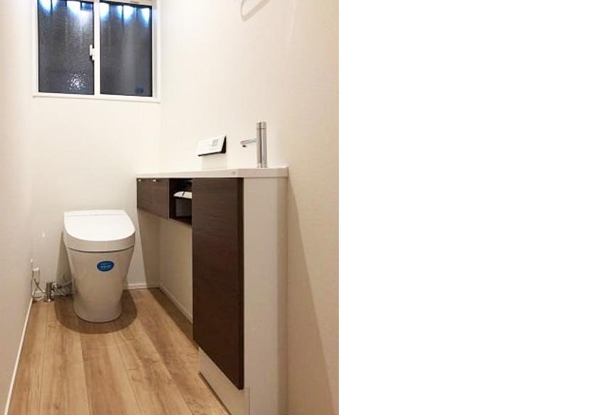 トイレ:すっきりとかっこいいトイレスペース