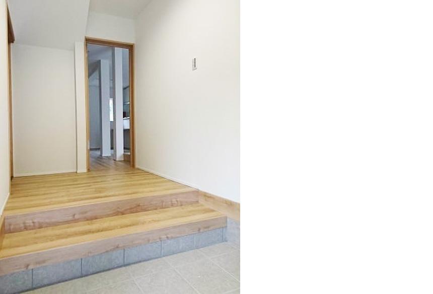 玄関:広々とした玄関になりました