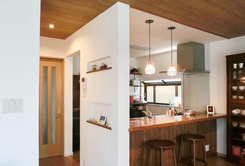 キッチン前のカウンターはLDKの中のお気に入りの空間。